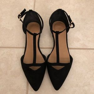 Black pointed flats 🥿